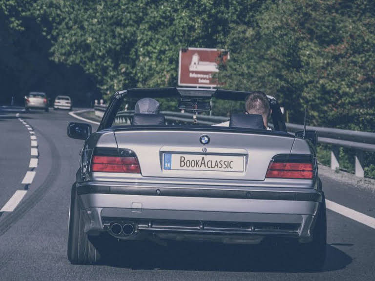 BMW 320i Cabrio Hire Pčoliné