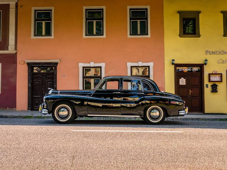Daimler One-o-four Hire Poprad