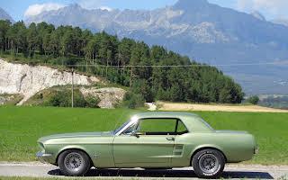 Ford Mustang Rent Banskobystrický kraj