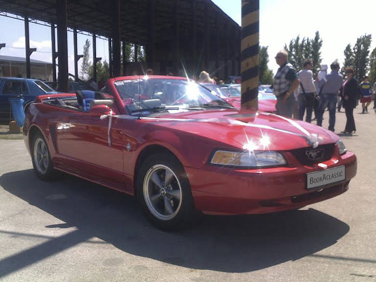 Ford Mustang Cabriolet Hire Hlohovec